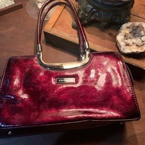 Vittorio patent leather purse in Cabernet